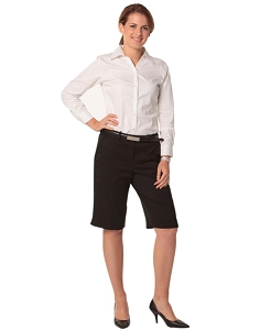 Women's Knee Length Flexi Waist Shorts in Poly/Viscose Stretch