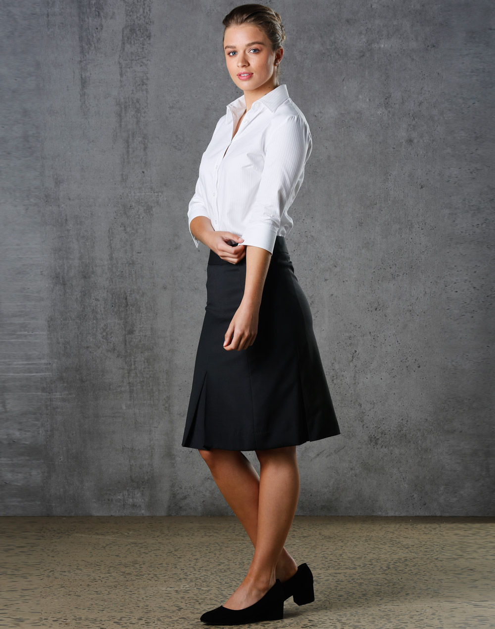 Women's Pleated Skirt in Wool Stretch